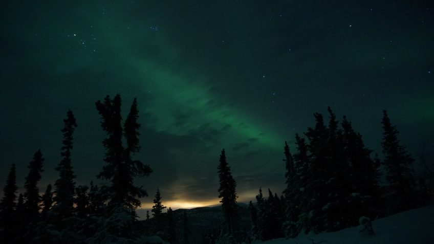 photograph the northern lights pollution