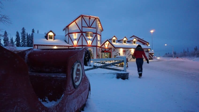 santa house things to do in alaska