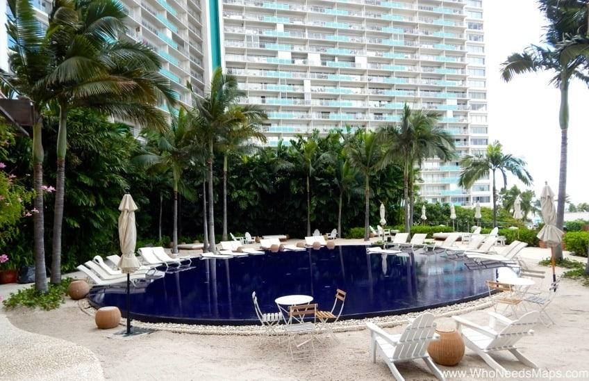 the modern honolulu hotel pool up