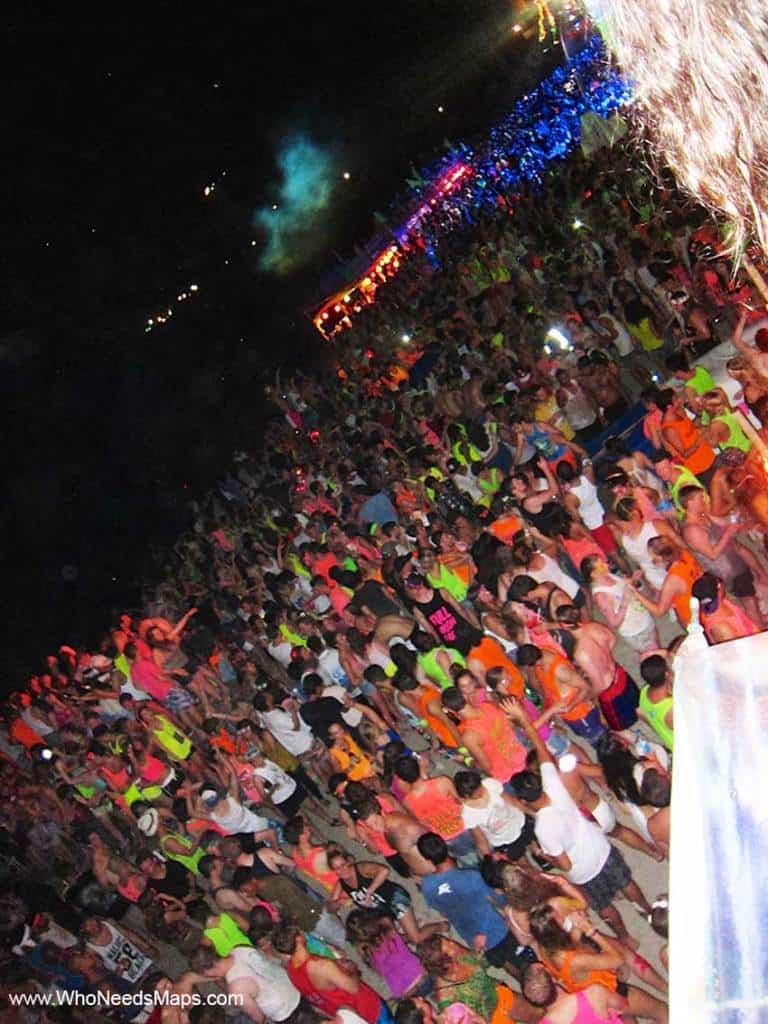 Full Moon Party Crowd - Koh Phangan - Top Party Destinations In Southeast Asia