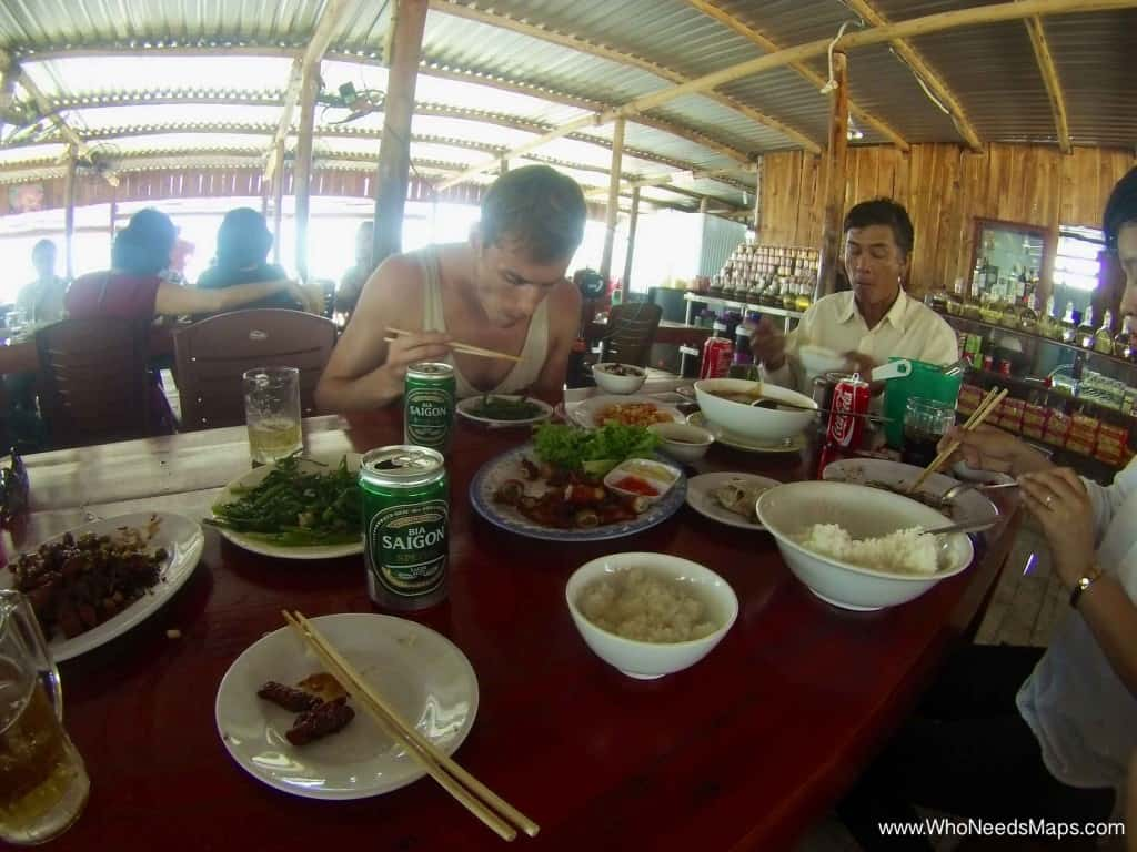 Motobike Tour Vietnam_Lunch