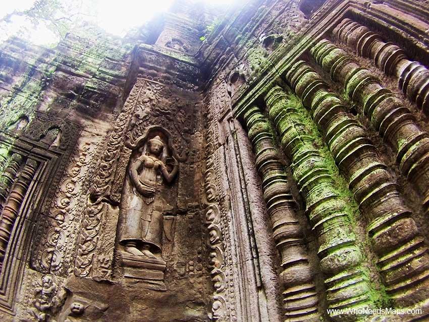 Statue - Angkor Wat