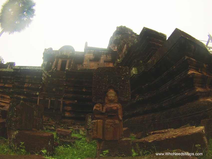 Statues - Angkor Wat pictures