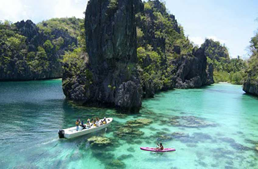 snorkeling philippines in coron palawan