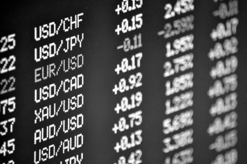 currency exchange rates - save money to travel